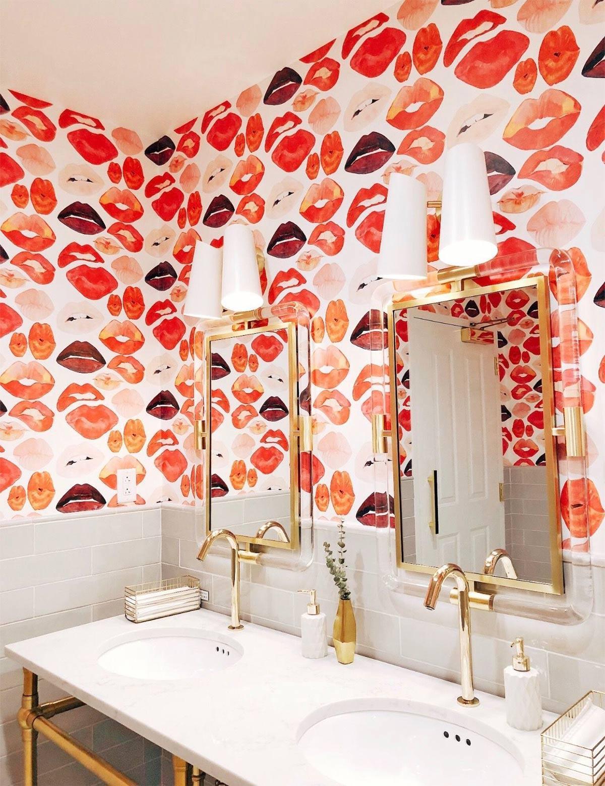 Thiết kế phòng tắm với màu sắc nổi bật