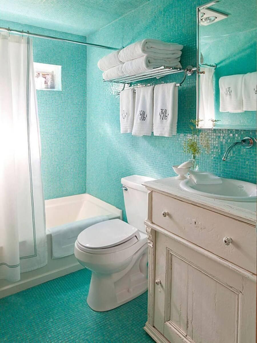 phòng vệ sinh tone xanh
