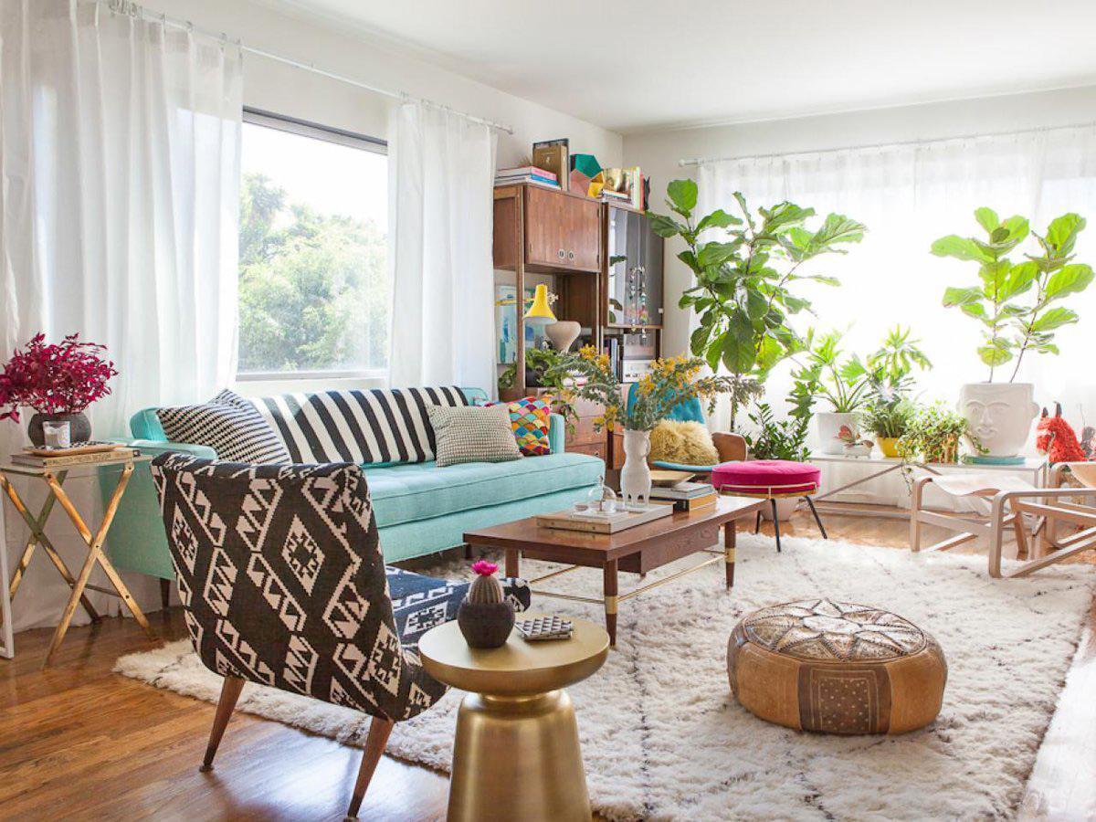 Trang trí phòng khách đẹp với ghế sofa màu xanh