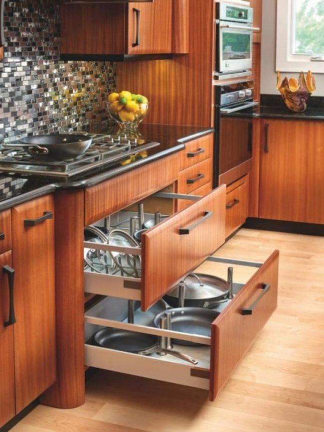 tủ bếp ngăn kéo thông minh