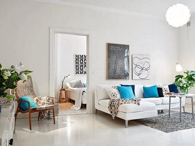 Vách tường trắng giúp căng phòng tươi sáng