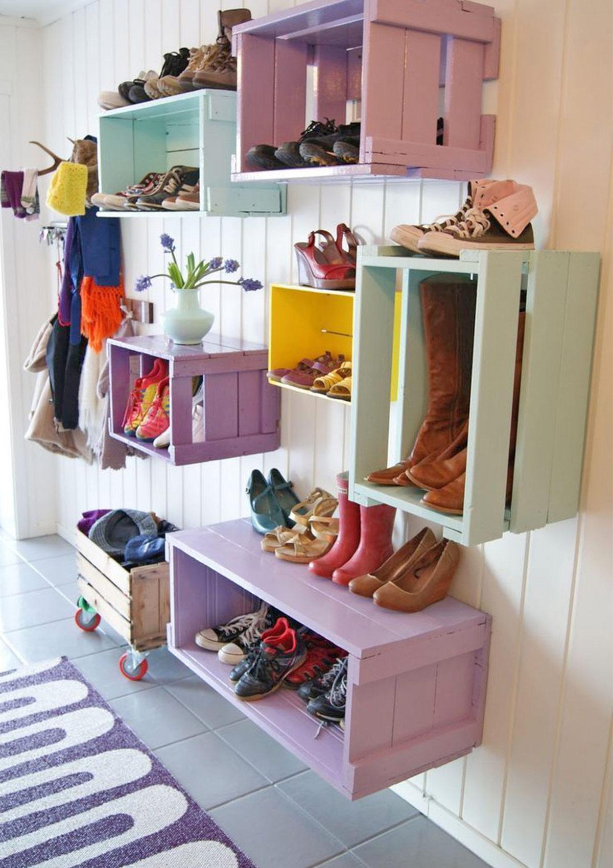 hộp giày treo tường