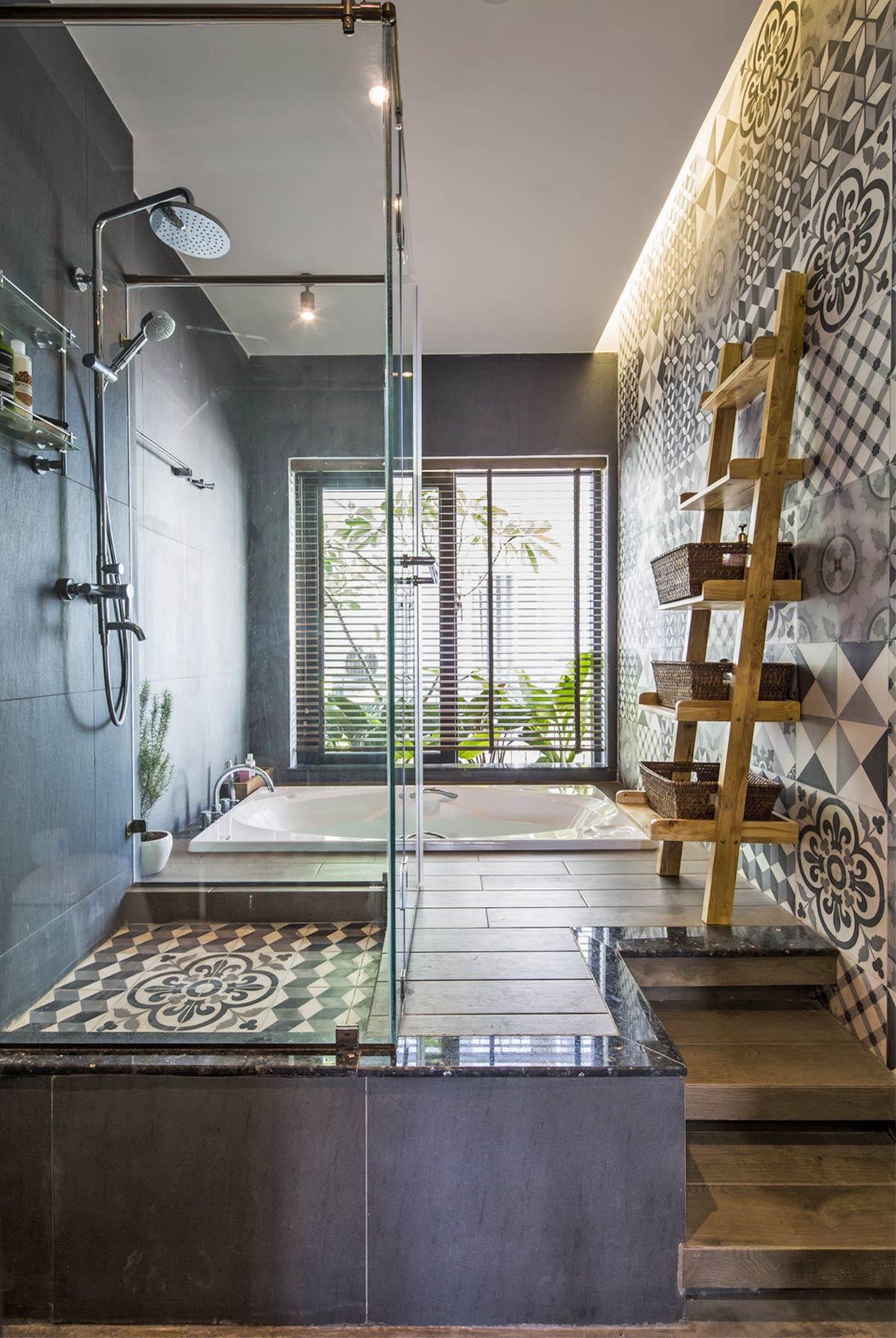 phòng vệ sinh trong nội thất nhà phố