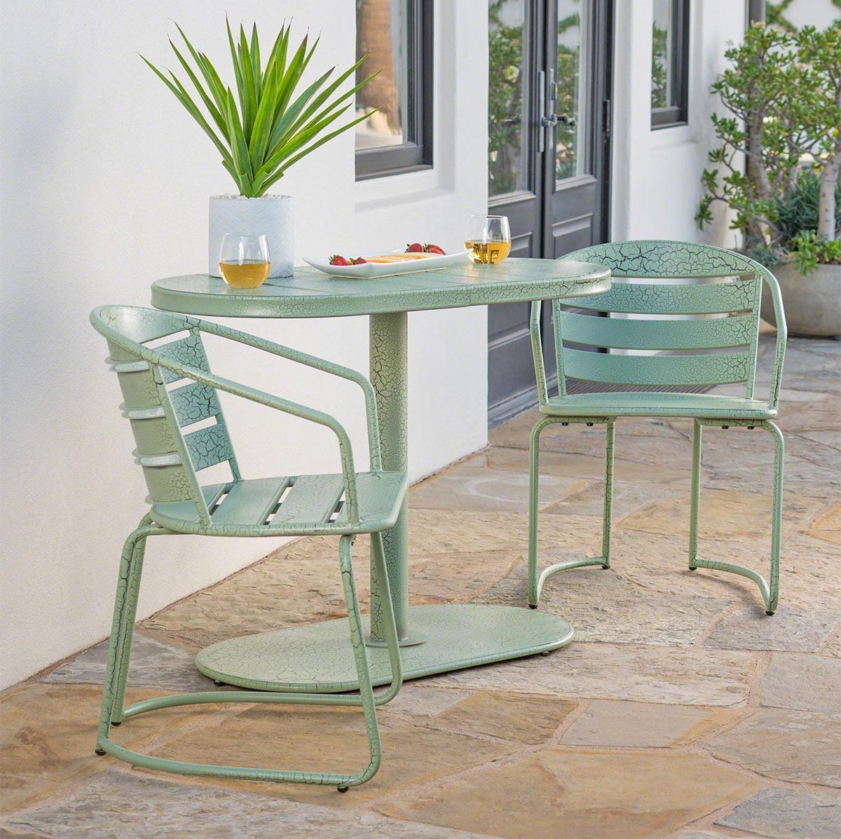 thiết kế bàn ăn ngoài trời