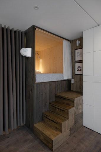 Cận cảnh phòng ngủ nho nhỏ trong căn hộ 35m2