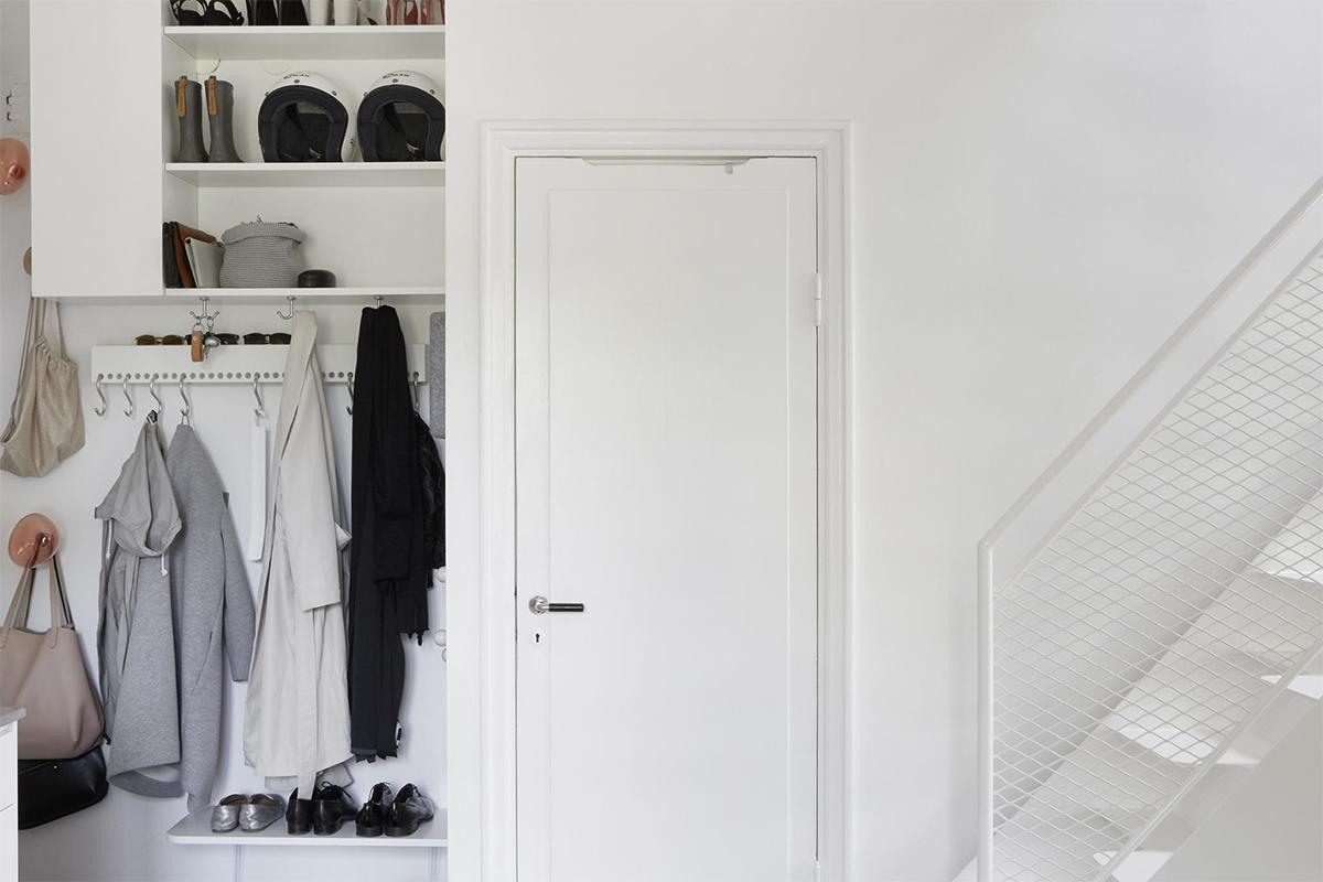 thiết kế căn hộ màu trắng
