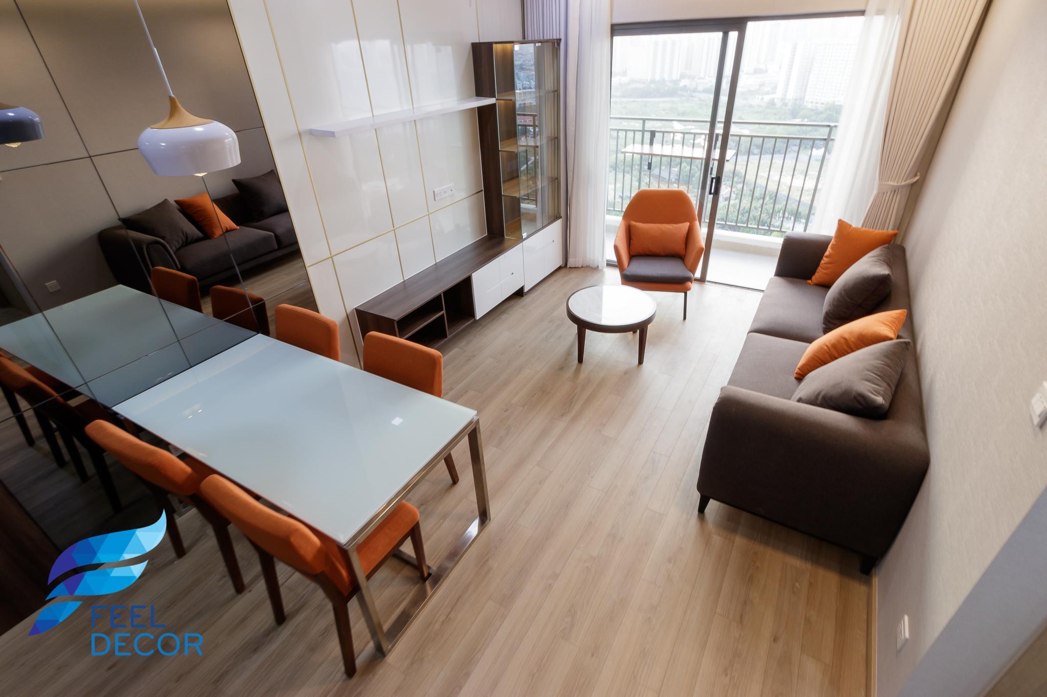 Bàn ăn và phòng khách căn hộ 3 phòng ngủ (79m2) CC The Sun Avenue Quận 2