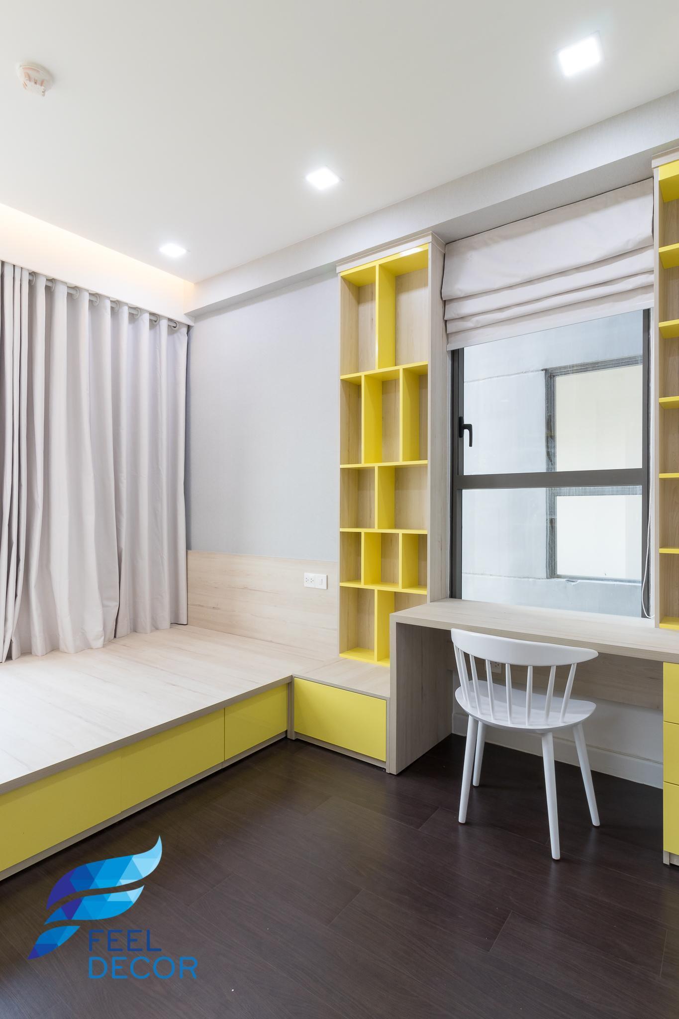 Phòng ngủ bé trai và bàn học căn hộ The Sun Avenue 79m2.