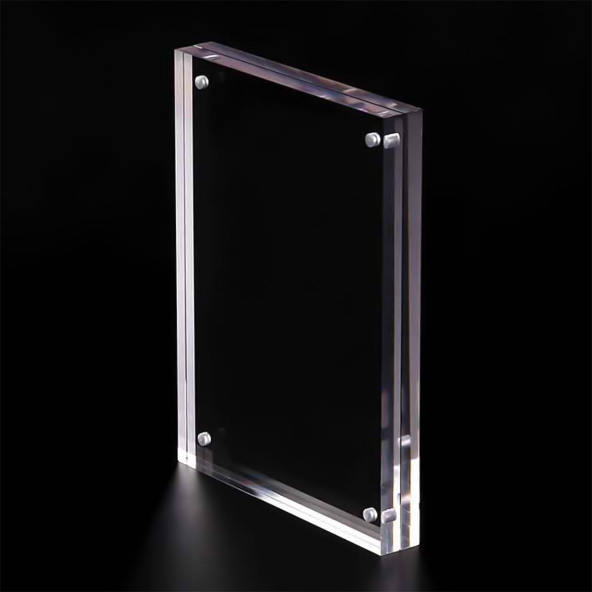 làm khung ảnh với chất liệu Acrylic